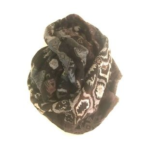 Aritzia Circle Scarf in Dark Neutral Pattern
